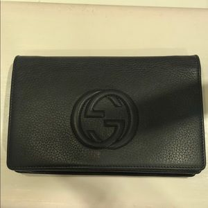 Gucci Black soho Wallet on Chain